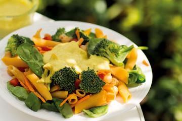 Pasta med currydressing. Vegan och vegetarisk.