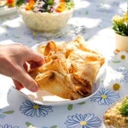 Vegetariska smördegspaket med valnötskräm och päron