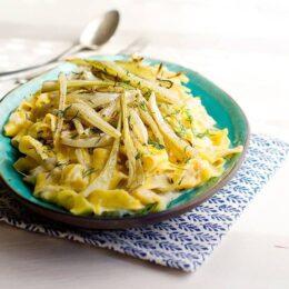 Vegetarisk pastasås med sparris och rostad fänkål