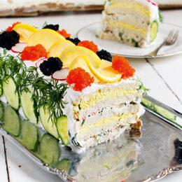 Klassisk vegetarisk smörgåstårta