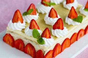Midsommar tårta jordgubbar
