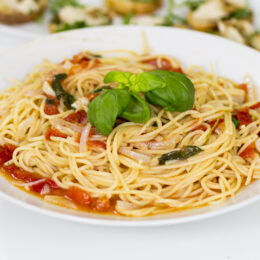 Vegetarisk Allt-i-ett-pasta med italienska smaker