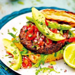 Vegetarisk Mexikansk bönburgare med lime och koriander