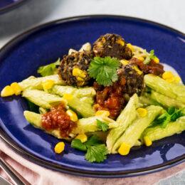 Vegetariska Tacobollar med krämig avokadopasta