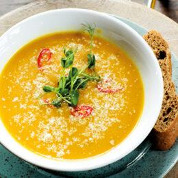 Vegetarisk Pumpasoppa med curry