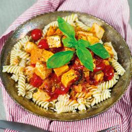 Vegetarisk Tomatsås med tofu och basilika