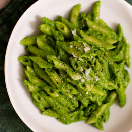 Vegetarisk pasta med grönkålspesto