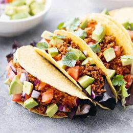 Vegetarisk tacos med quinoafärs