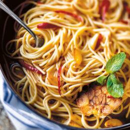 Vegetarisk Spaghetti med vitlök, olja och chili