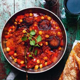 Het gryta med vegetarisk chorizo och kikärter