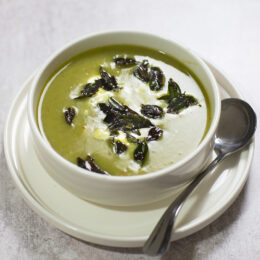 Broccolisoppa med indisk touch