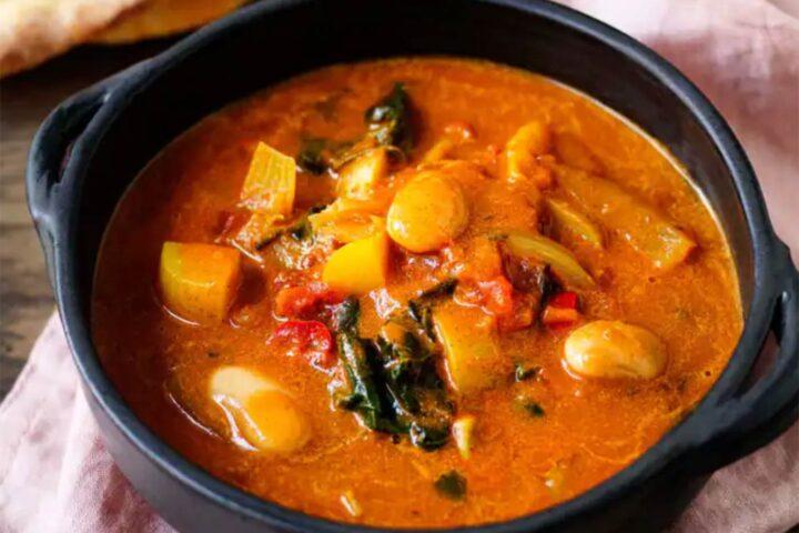 Vegetarisk indisk gryta med potatis (10 kr)